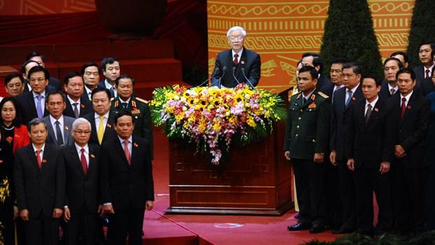 Các đảng viên đảng cộng sản tại lễ bế mạc đại hội đảng 12 hôm 28/1/2016 tại Hà Nội