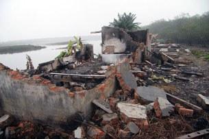 Căn nhà của gia đình ông Đoàn Văn Vươn bị phá sau vụ cưỡng chế hôm 05/1/2012 đã trở thành đống gạch vụn.
