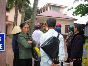 Công an cản trở dân không cho vào tỉnh ủy