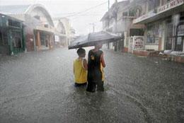 Mùa mưa bão ở Việt Nam thường dồn dập vào những tháng cuối năm