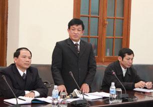 """Ông Lê Văn Hiền(nay  đã bị đình chỉ công tác): """"Khi hết thời hạn thuê đất mà chủ đầm không trả thì cưỡng chế"""" (ngày 12/1/2012). Source dantri-online"""