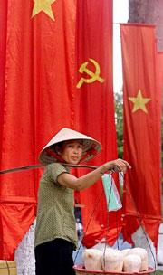 Bà bán hàng rong trên đường phố Saigonnhững năm gần đây. AFP