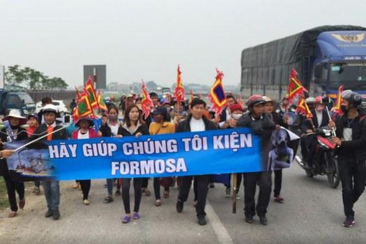 Người dân biểu tình chống Formosa ngày 14/2/2017.