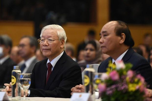 Ông Nguyễn Phú Trọng có phạm tội 'không tố giác tội phạm' khi cho người hối lộ ra về?