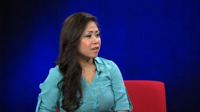 Chị Khưu Hiền Duyên tại phòng thu đài RFA hôm 6/6/2016
