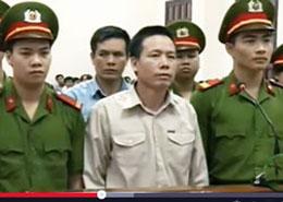 Anh Đoàn Văn Vươn tại phiên xử ở Tòa án Hải Phòng hôm 2 tháng 4 năm 2013. RFA screen capture