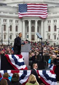 Tổng thống Barack Obama đang vận động tranh cử tại Madison, Wisconsin hôm 05/11/2012. AFP photo.