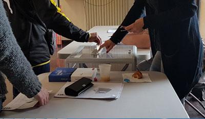 Thùng phiếu trong một điểm bầu cử Pháp hôm 7/5/2017.