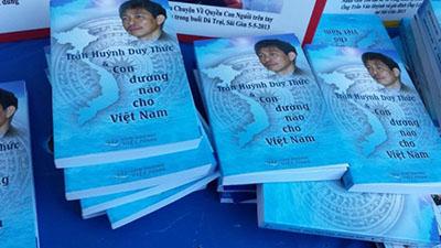 Cuốn sách Trần Huỳnh Duy Thức và Con đường nào cho Việt Nam giới thiệu về một người yêu nước bị giam cầm và những trăn trở về đất nước, về dân tộc của Trần Huỳnh Duy Thức - người sáng lập Phong Trào CĐVN.