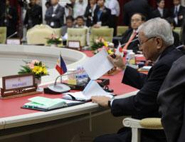 Ngoại trưởng  Philippines, Albert Del Rosario tại Hội Nghị Cấp Bộ  Trưởng ASEAN lần thứ 45 ở Phnom Penh. Quoc Viet,RFA