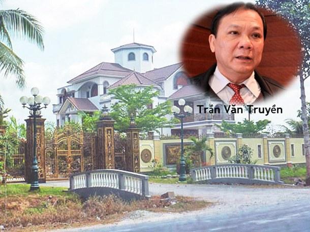 Ngôi biệt thự hoành tráng của ông Trần Văn Truyền ở xã Sơn Đông, TP. Bến Tre