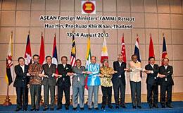 Bộ trưởng Ngoại giao các nước ASEAN nhóm họp tại Hua Hin, Thái Lan vào ngày 14 tháng 8 năm 2013.AFP