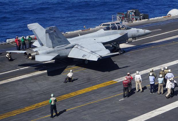 Ảnh chụp tàu sân bay USS Carl Vinson hôm 14 tháng 02 năm 2018 tại Philippines