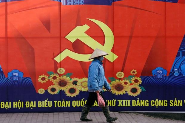 Dân khiếu kiện lâu ngày ở Hà Nội bị xua đuổi, bắt bớ nhân đại hội đảng