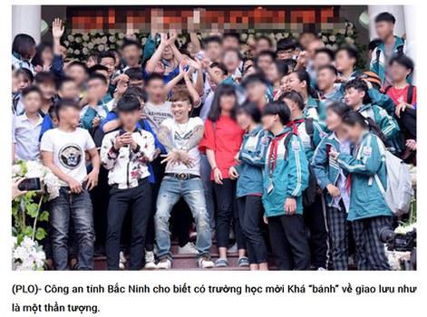 """Khá """"bảnh"""" được các em học sinh chào đón tại Yên Bái."""