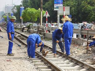 Công nhân đường sắt - RFA photo