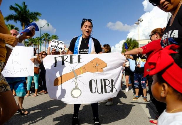 Người Việt trong nước trước tin biểu tình đòi dân chủ ở Cuba