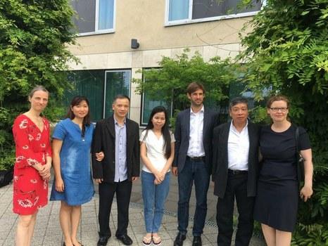 Luật sư Nguyễn Văn Đài (thứ ba từ trái sang) tại Đức sau khi được trả tự do, 7/2018.