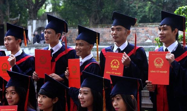 Tự chủ đại học cho Việt Nam: Áo mặc không qua khỏi đầu!