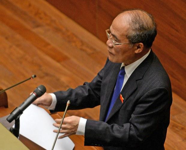 Chủ tịch Quốc hội Nguyễn Sinh Hùng phát biểu khai mạc kỳ họp mùa hè của Quốc hội tại Hà Nội, tháng 5, năm 2015.