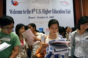 Một trong các hội chợ tổ chức giới thiệu các đại học Hoa Kỳ