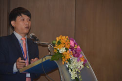 """Tiến sỹ Võ Xuân Vinh phát biểu tại hội thảo """"Đoàn kết ASEAN và những thách thức biển tại khu vực Biển Đông và Châu Á - Thái bình Dương""""  diễn ra vào ngày 20 tháng 6 tại Bangkok, Thái Lan. Courtesy VOV."""