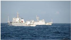 Tàu 84 và 17, trong số 3 tàu hải giám của Trung Quốc, đã tiến sâu vào phạm vi thềm lục địa ở miền Trung VN và cắt giây cáp thăm dò dầu khí tàu Bình Minh hôm 26.05.2011. Nguồn diễn đàn HDVietnam.