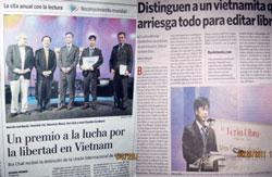 Tin Bùi Chát nhận giải trên báo chí nước ngoài. Photo courtesy of Danlambao.