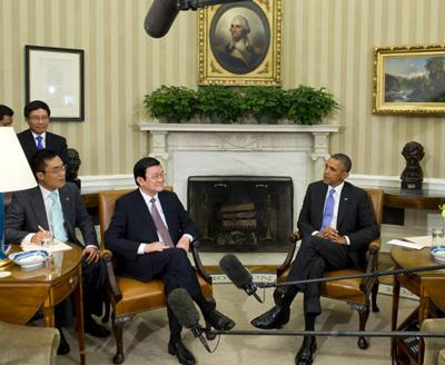 Tại Washington, DC, Chủ tịch nước Trương Tấn Sang cũng khẳng định Việt Nam có quyền bang giao với bất cứ nước nào trên thế giới mà không ai có quyền cản trở