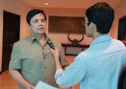 Ông Ouch Borith, Quốc vụ khanh Bộ Ngoại giao Campuchia trả lời báo chí sáng 31/10/2013 tại Phnom Penh. RFA PHOTO/Quốc Việt.