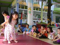 Các em học sinh tại một trường mầm non tư thục ở TPHCM, ảnh minh họa. Photo courtesy of giaoduc.net