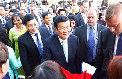 Chủ tịch nước Trương Tấn Sang đến thăm Cộng hoà Séc (Photo: Truong Son/TN)