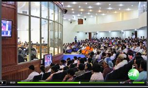 Dân chúng Campuchia tham dự phiên tòa xử Khmer đỏ  ngày 3 tháng 2, 2012. RFA screen capture