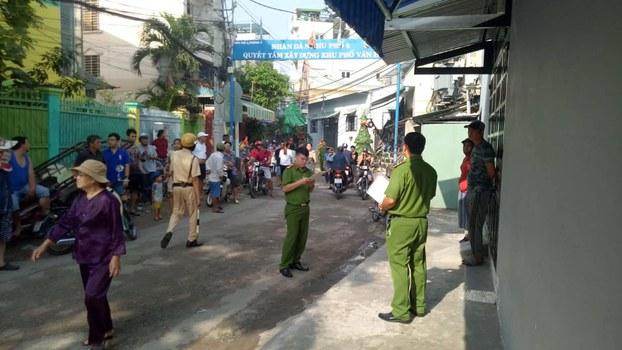 Lực lượng chức năng đang kiểm tra tại khu vực vườn rau Lộc Hưng.