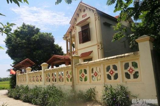 Ảnh minh họa. Một căn nhà trông bề thế thuộc diện cận nghèo ở Thanh Hóa.