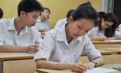 Thí sinh trong giờ thi môn Văn tốt nghiệp THPT 2013. Photo courtesy of vov.