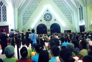 Lễ Hiệp Thông với Giáo xứ Thái Hà được tổ chức tại Nhà thờ Kỳ Đồng, Dòng Chúa Cứu Thế Sài Gòn, hôm 24-9-2008
