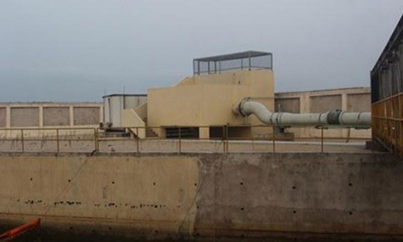 Ống nước thải đường kính 1m, kéo dài 1,5km ra biển của Formosa.