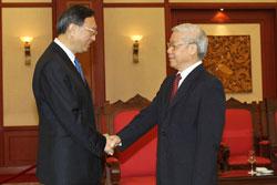 TBT Nguyễn Phú Trọng gặp Ủy Viên Quốc Vụ TQ Dương Khiết Trì tại Hà Nội chiều 18/6/2014.