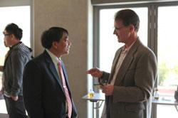 """Thạc sĩ Hoàng Việt, giảng viên Đại Học Luật TPHCM tại buổi hội thảo """"Sông Mekong dưới sức ép"""" ở Hoa Kỳ. Hình do ông cung cấp."""