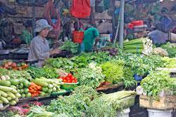 Quầy bán rau quả ở chợ Sài gòn. (minh họa) RFA