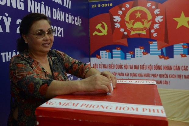 Bầu cử Quốc hội: Tự do ứng cử nhưng phải do Đảng kiểm tra, xét duyệt
