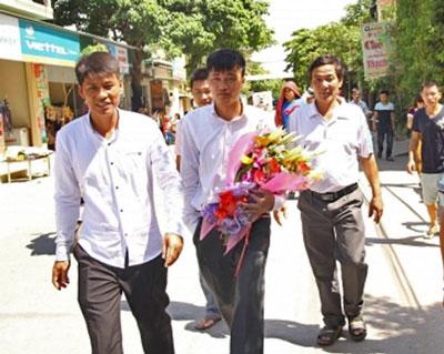 Tù nhân lương tâm Thái Văn Dung, một trong 14 Thanh Niên Công giáo và Tin lành, vừa mãn hạn tù 4 năm (ngày 19 tháng 8, 2015)
