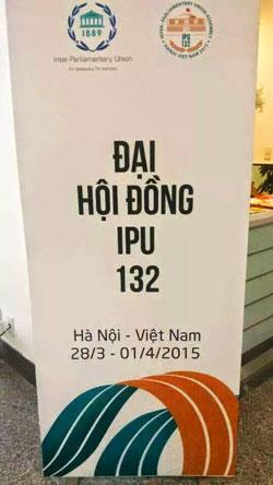Bích chương Đại hội đồng IPU 132 tại Hà Nội