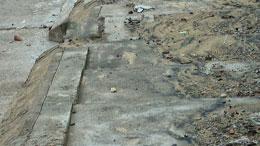 Cát đen chứa quặng titan ở Nhơn Lý. RFA