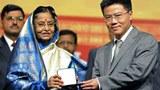 Giáo sư Ngô Bảo Châu nhận giải thưởng toán học Fields do Tổng Thống Ấn Độ trao hôm 19/8/2010