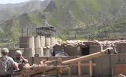 Pháo binh Mỹ tác xạ tại Afghanistan- VOA screenshot
