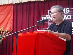 Luật gia Lê Hiếu Đằng phát biểu nhân kỷ niệm 64 năm ngày thương binh liệt sĩ Việt Nam ngày 27.07.2011.