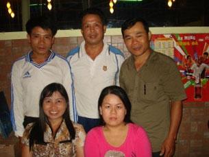 Mục sư Phạm Ngọc Thạch (ngoài cùng phải), ảnh chụp trước đây. File photo.