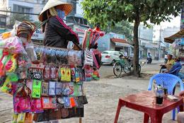 Người bán hàng rong ở Sài Gòn. RFA